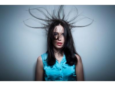 Причины и способы устранения электризации волос